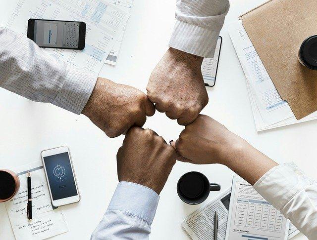 4 kollegaer til teambuilding